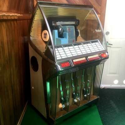 Jukeboxes for Sale: GameRoomAntiques com