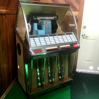 Seeburg HF100R Jukebox (1954) - SR-01